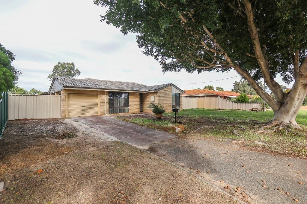 12 Lincoln Road, Forrestfield WA 6058, Image 1