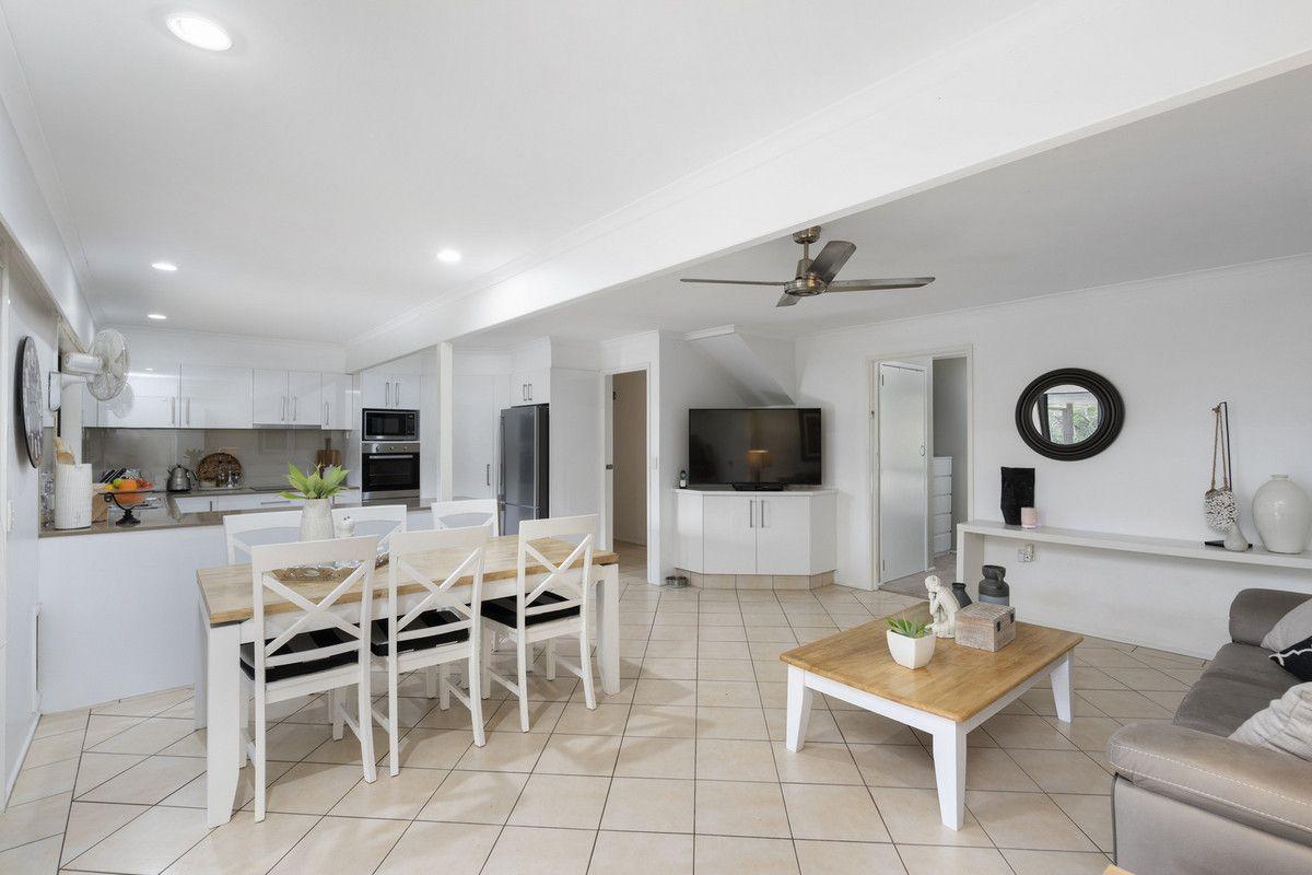 6 Lutana Street, Nerang QLD 4211, Image 2