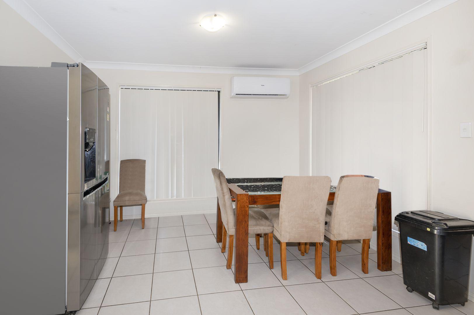 42A Pinelands Street, Loganlea QLD 4131, Image 2