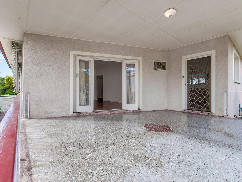 19 Gatwick Street, Stafford Heights QLD 4053, Image 1
