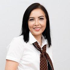 Amy Dinh, Sales Agent