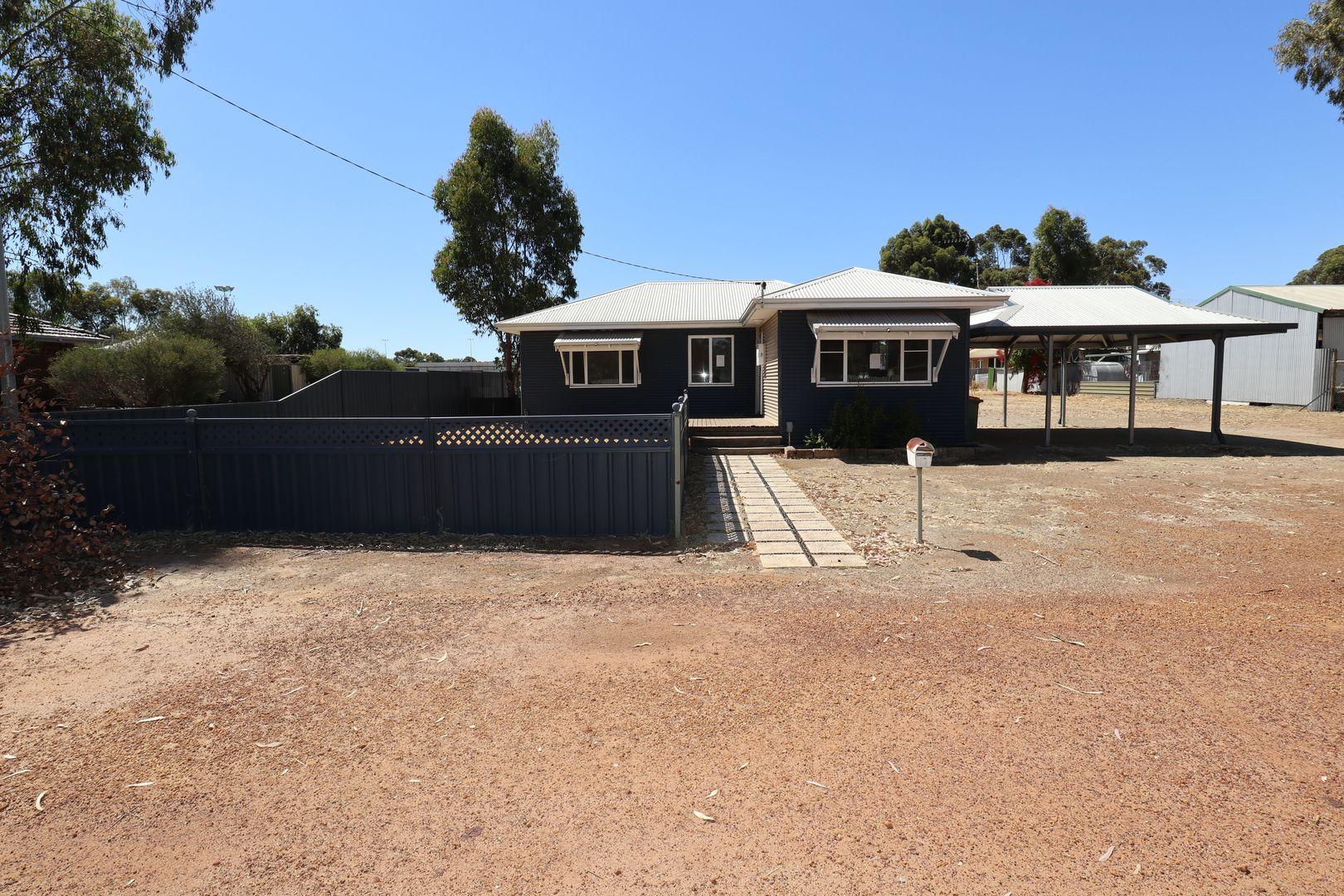 4 Tasman Street, Wagin WA 6315, Image 2