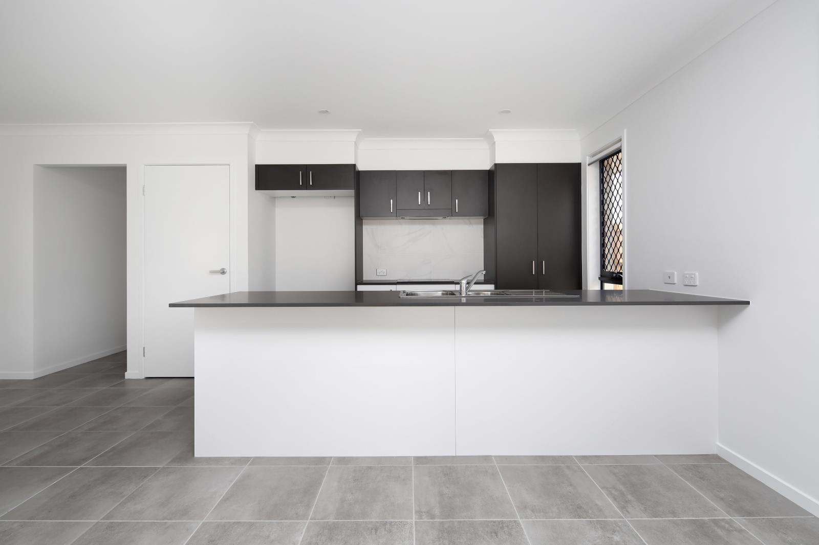 12 Isla Street, Park Ridge QLD 4125, Image 1