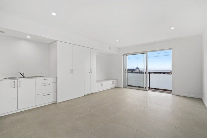 Picture of 3/100 Ocean View Drive, WAMBERAL NSW 2260