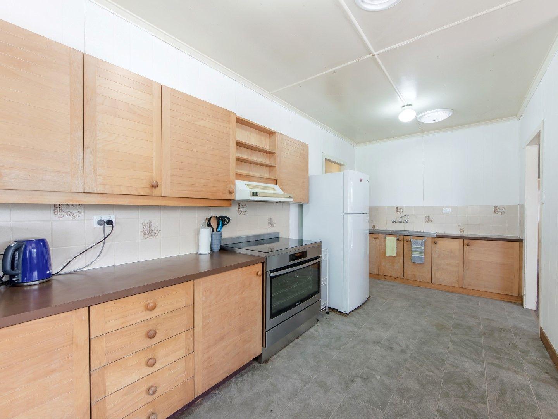 4 Emerald Street, Brassall QLD 4305, Image 2