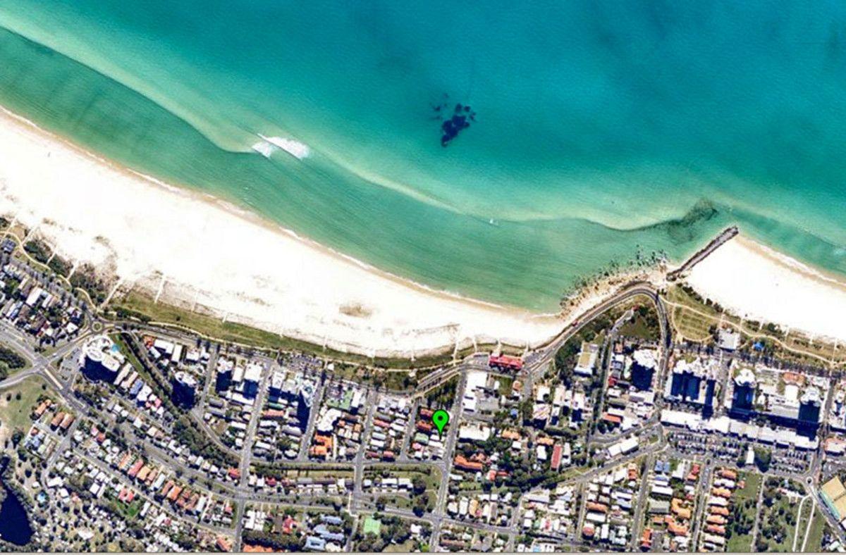 11 Miles Street, Coolangatta QLD 4225, Image 2