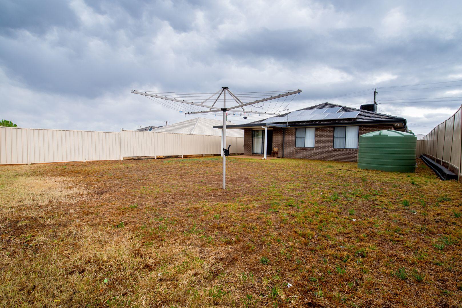 67 Linda Drive, Dubbo NSW 2830, Image 2