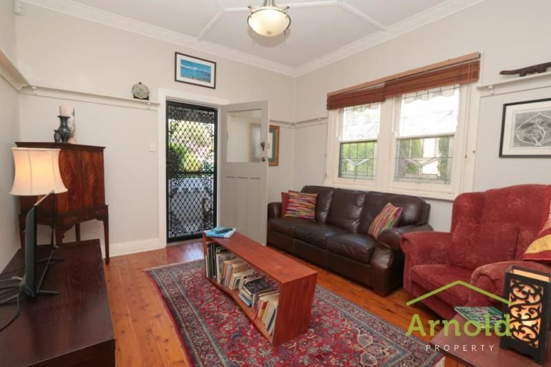 36 Braye Street, Mayfield NSW 2304, Image 2