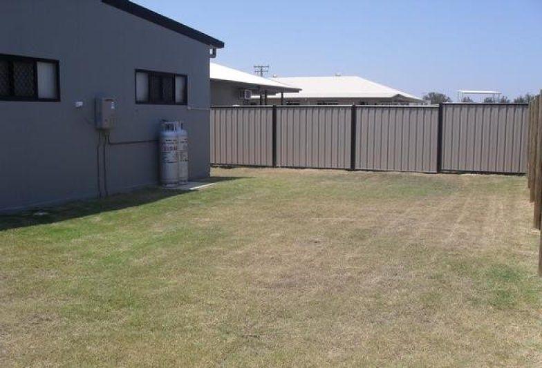 33 Manna St, Blackwater QLD 4717, Image 2