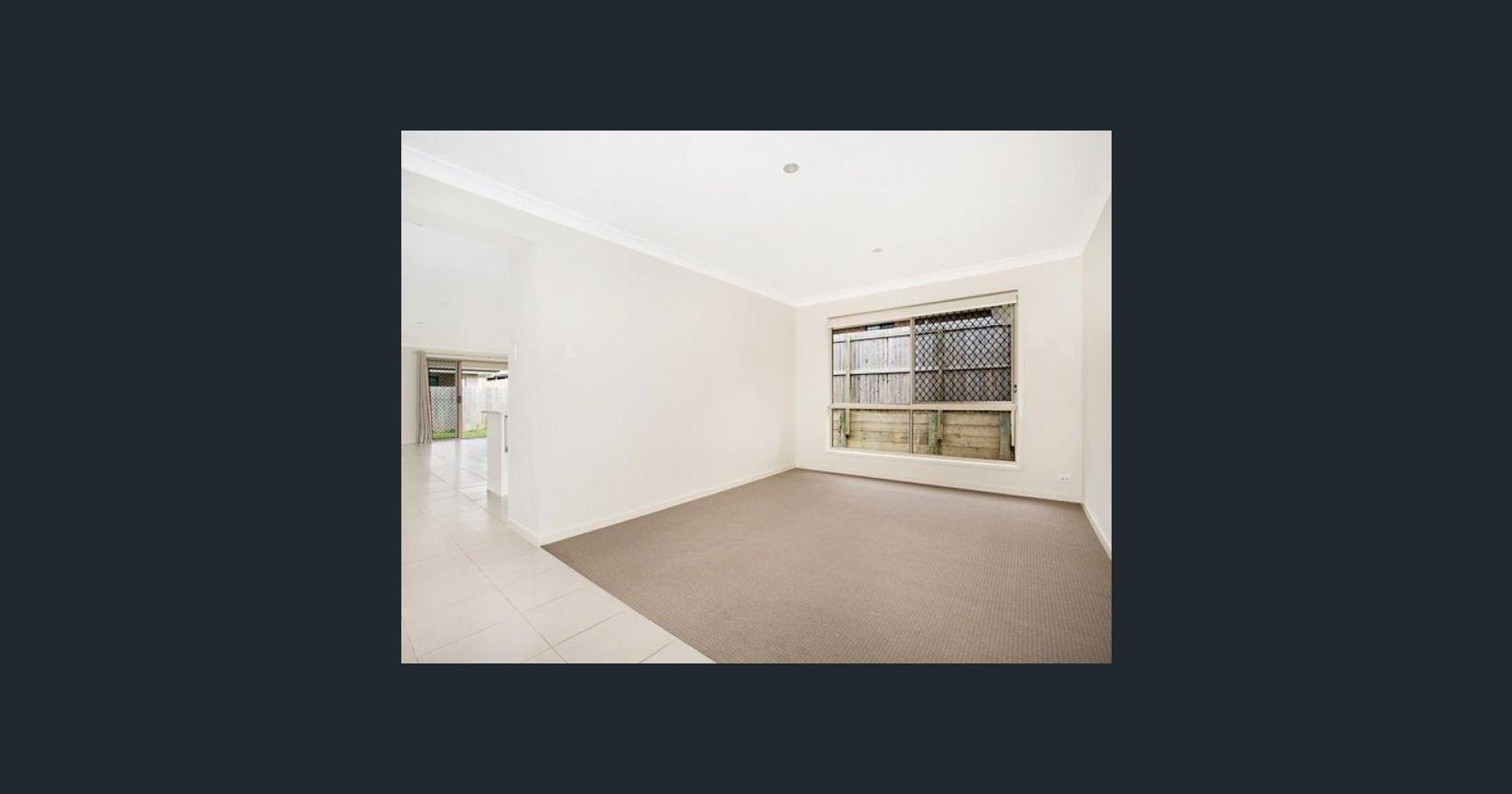 11 Ellenborough Avenue, Ormeau Hills QLD 4208, Image 2