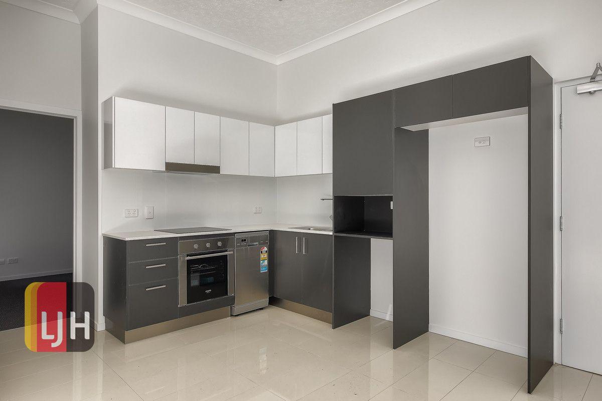 Ground floor units/17 Buddina Street, Stafford QLD 4053, Image 1