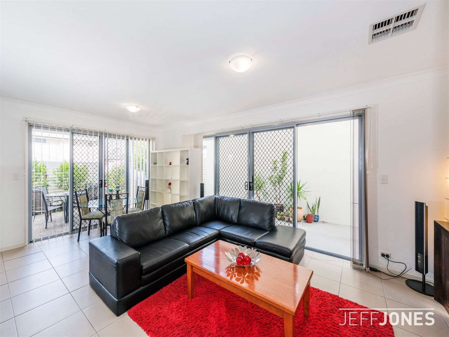 55 Worchester Crescent, Wakerley QLD 4154, Image 2