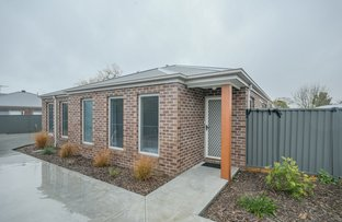 Picture of 2/17 Birdwood Avenue, Sebastopol VIC 3356