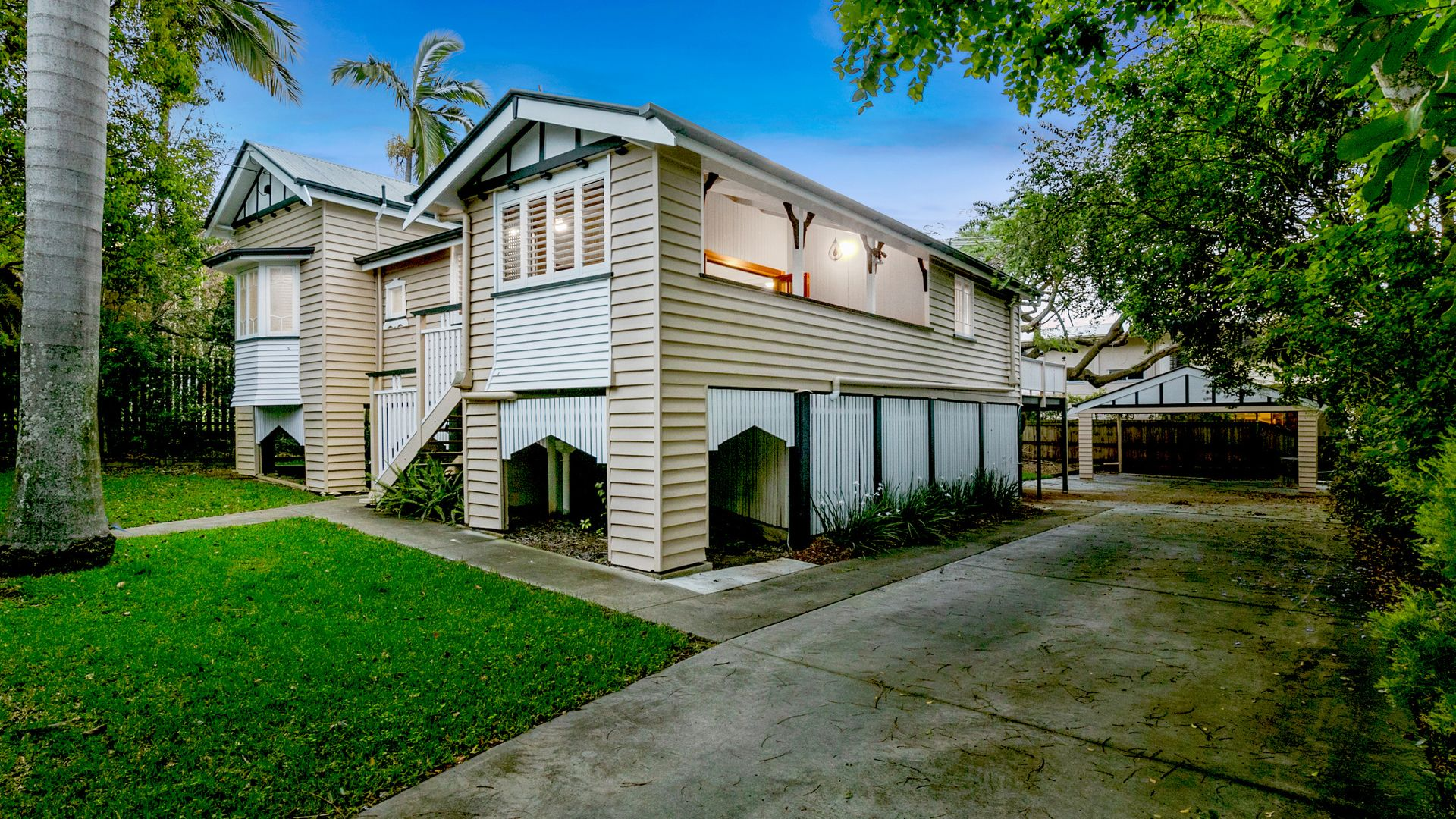 11 Poet Street, Holland Park West QLD 4121, Image 2