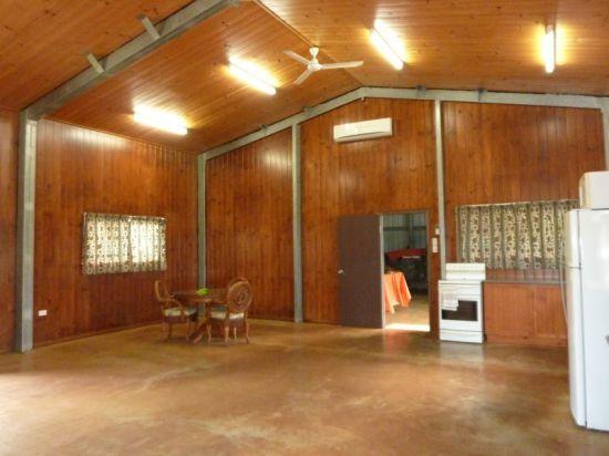 4 Menzies Road, Mirriwinni QLD 4871, Image 2