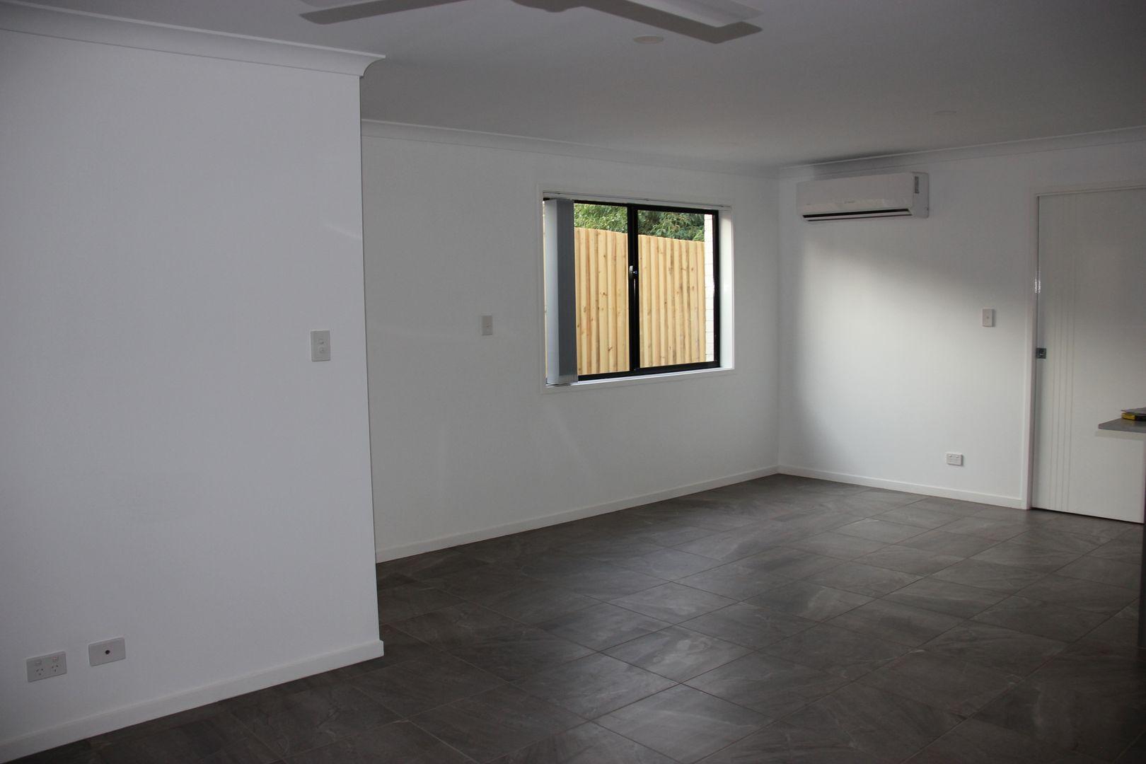 1/205 Jellicoe Street, Newtown QLD 4350, Image 2