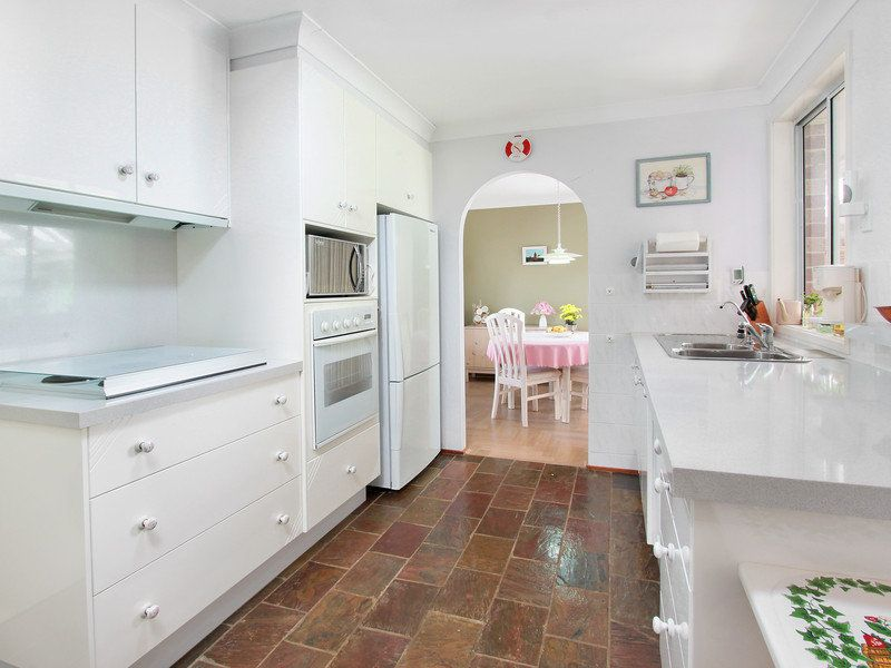 9 Alan Street, Box Hill NSW 2765, Image 2
