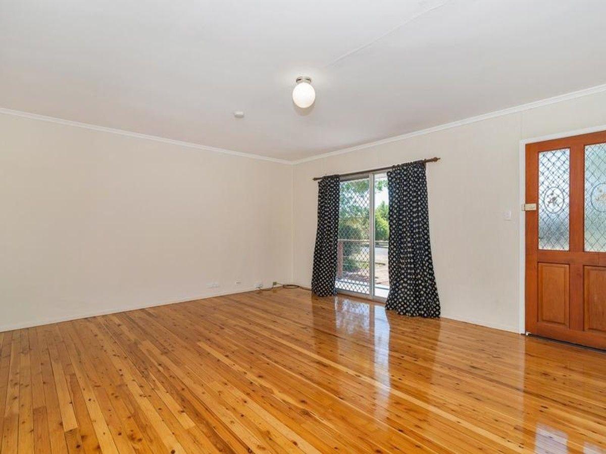 6 Skoien Street, Harristown QLD 4350, Image 2
