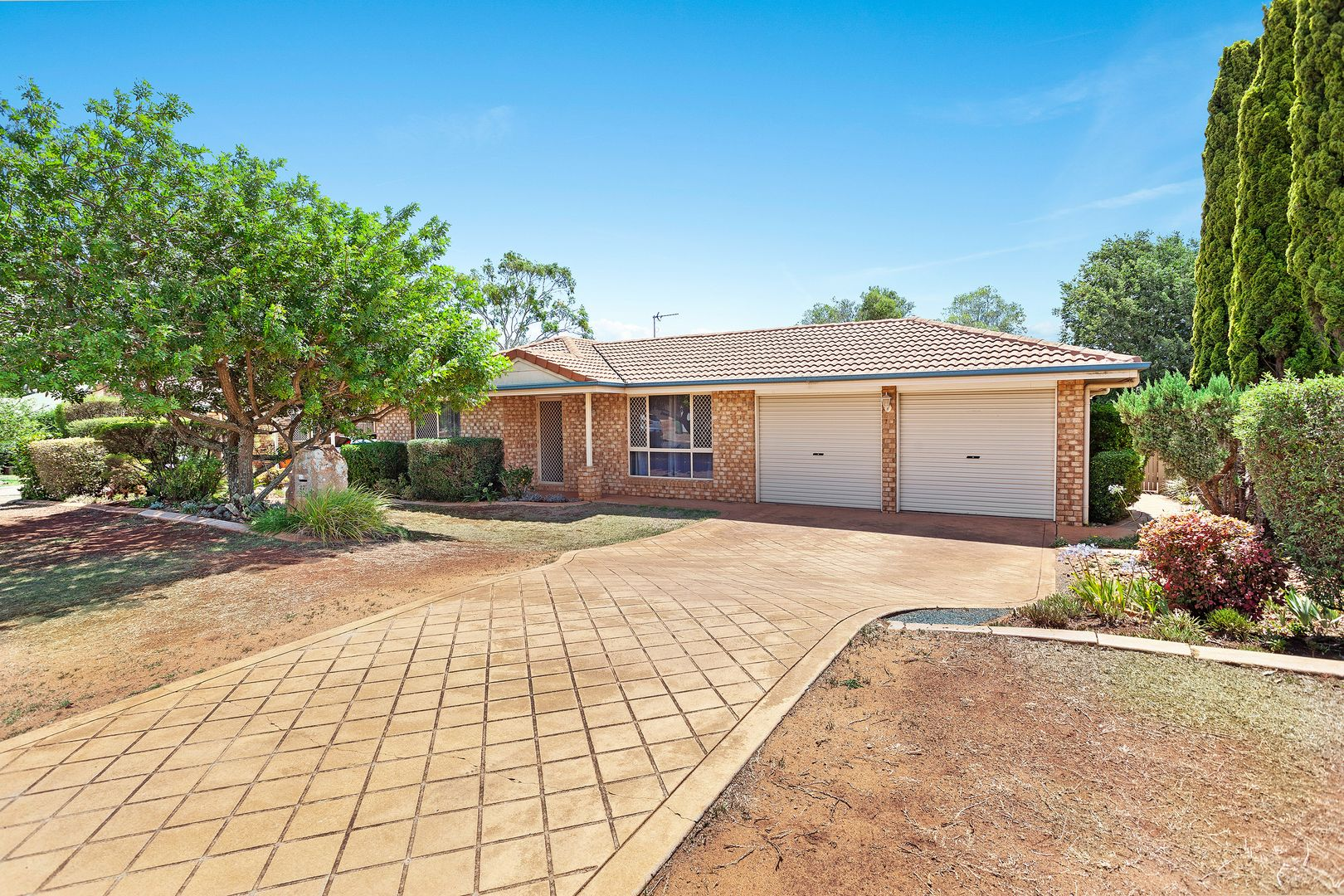 27 Strathconan Drive, Glenvale QLD 4350, Image 0