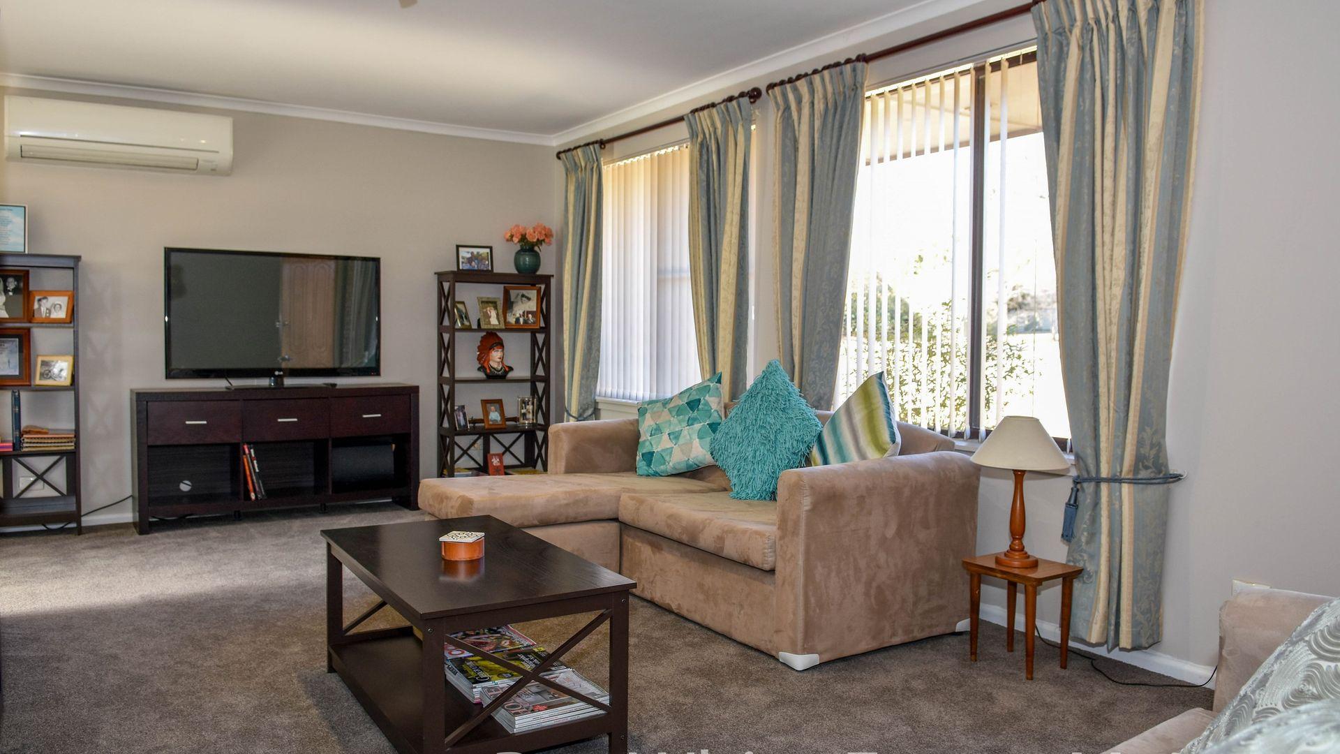 73 Colville Street, Windradyne NSW 2795, Image 2