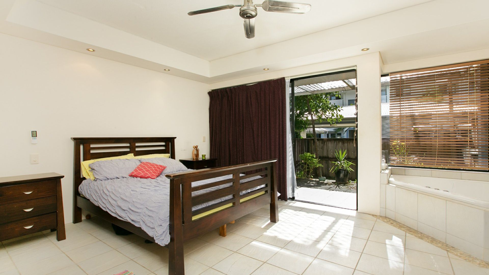 20/22-24 Oyster Court, Trinity Beach QLD 4879, Image 2