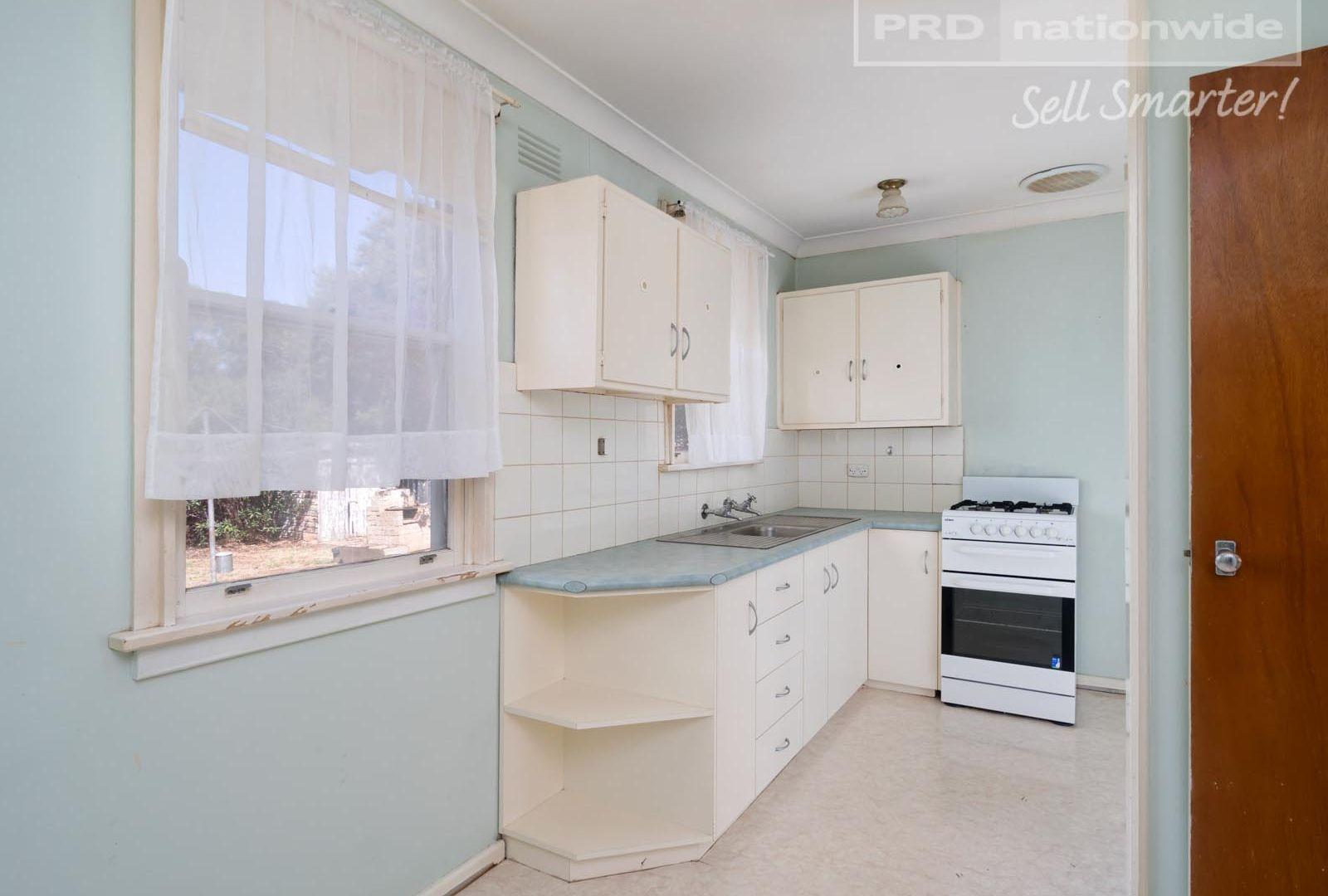 3 Tarakan Avenue, Ashmont NSW 2650, Image 2