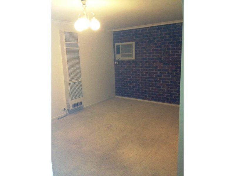 215 West Street, Glenroy VIC 3046, Image 1