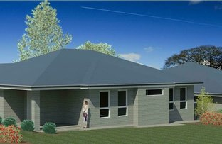 Picture of 2/17 Whitten Avenue, Boorooma NSW 2650