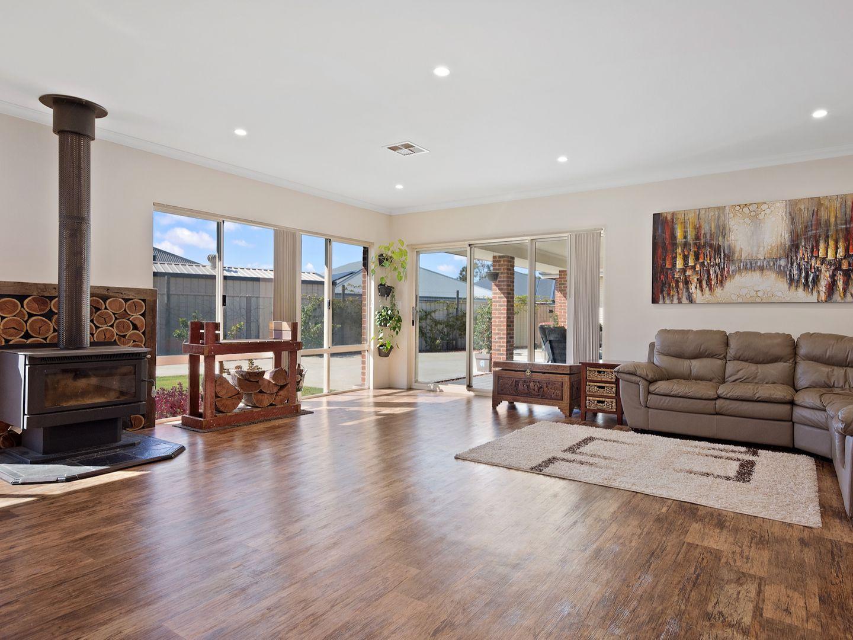 7 Charoite Street, Australind WA 6233, Image 1