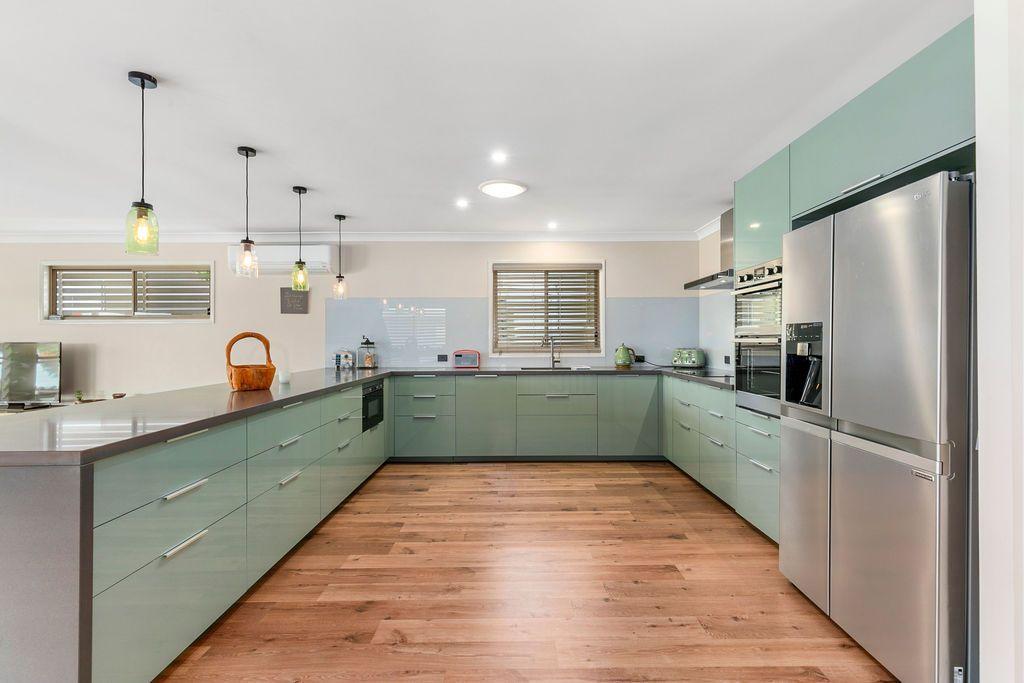 11 Broadwater Terrace, Redland Bay QLD 4165, Image 1