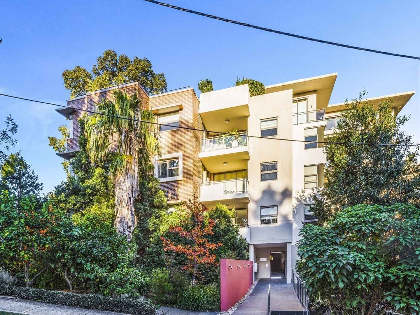 18/2 Clydesdale Place, Pymble NSW 2073, Image 0