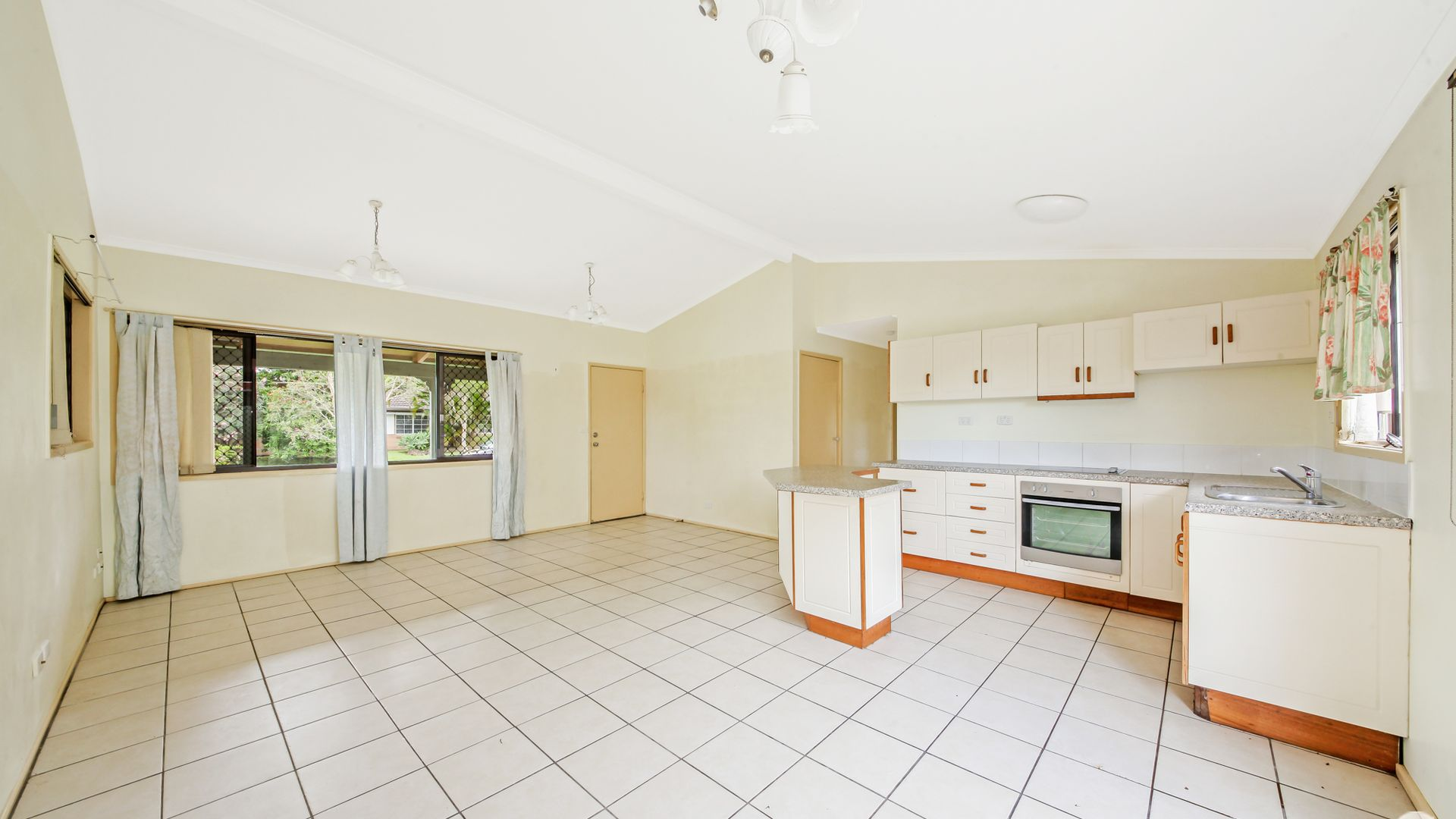 1 Strover Crt, Springwood QLD 4127, Image 2