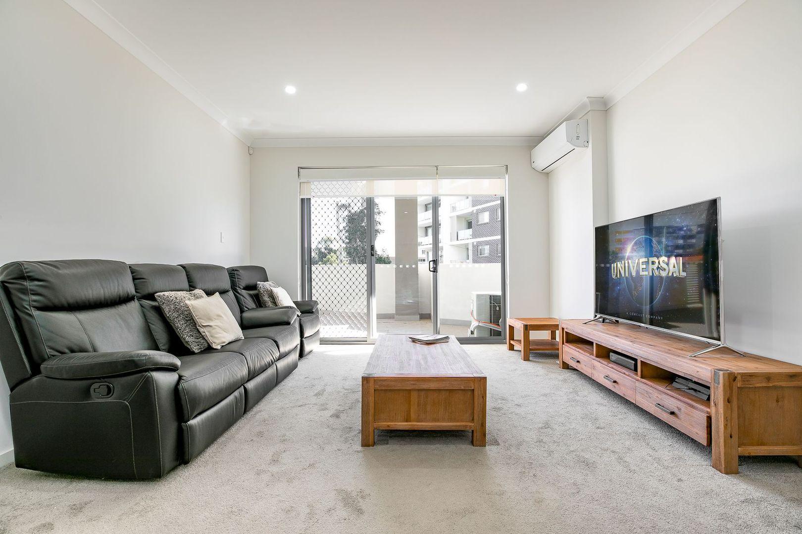 8/26 Tyler Street, Campbelltown NSW 2560, Image 1