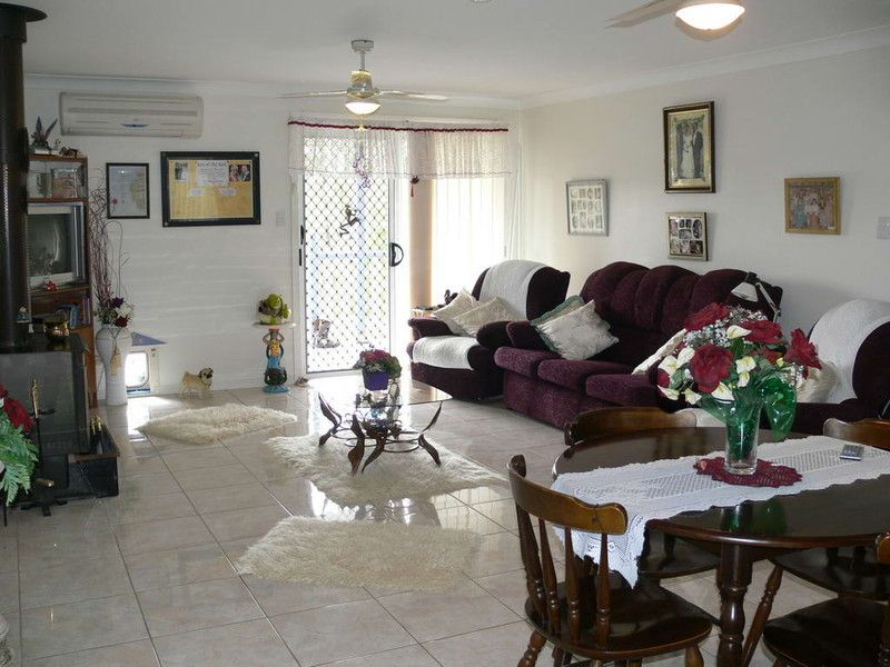 105 Pine Crescent, Esk QLD 4312, Image 1