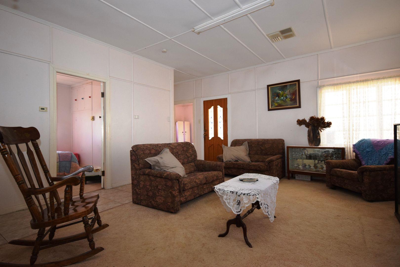 127 Cassowary  Street, Longreach QLD 4730, Image 2