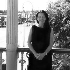 Michelle Wilcox, Sales representative
