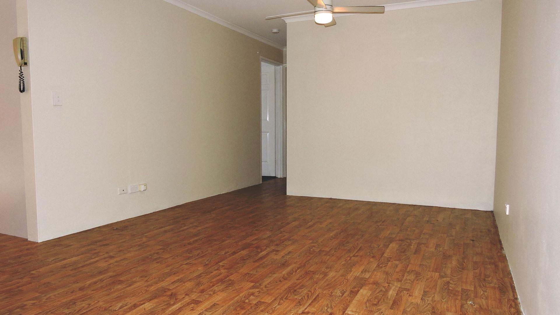 17/23-27 Hills Street, Gosford NSW 2250, Image 2