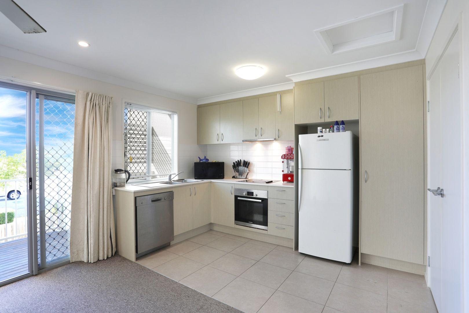 11/64 Michael Avenue, Morayfield QLD 4506, Image 2