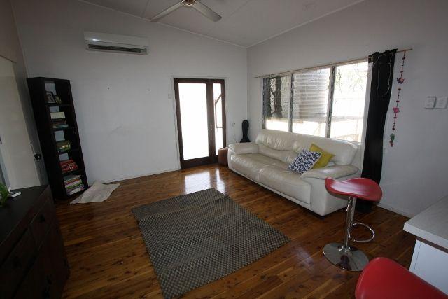56 Becker Street, Cobar NSW 2835, Image 2