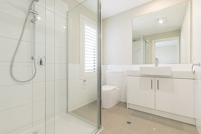 Picture of 2/10 Shenfield Avenue, BONBEACH VIC 3196
