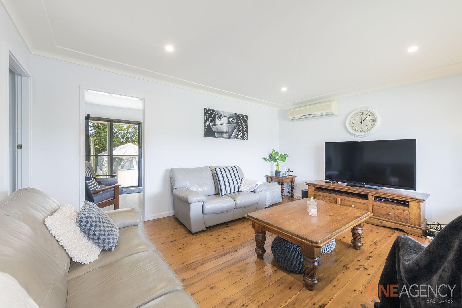 144 Macquarie Grove, Caves Beach NSW 2281, Image 2