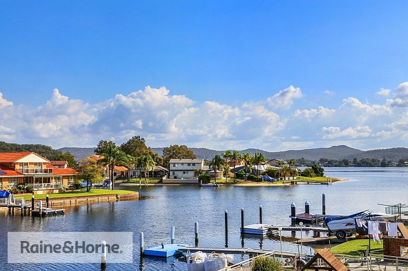 72 Helmsman Boulevard, St Huberts Island NSW 2257, Image 1