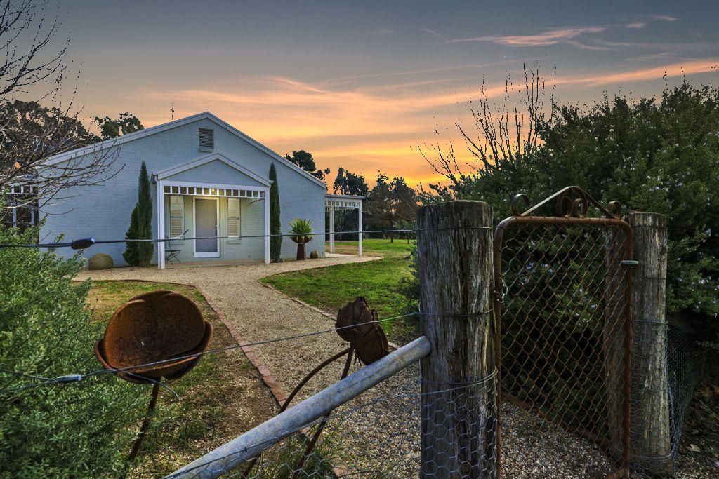 183 Grant Drive, Benalla VIC 3672, Image 2