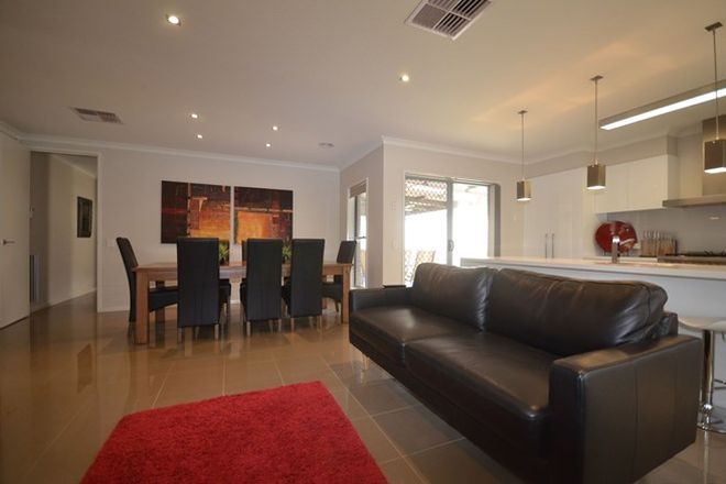 Picture of 6B Heyington Place, KENNINGTON VIC 3550