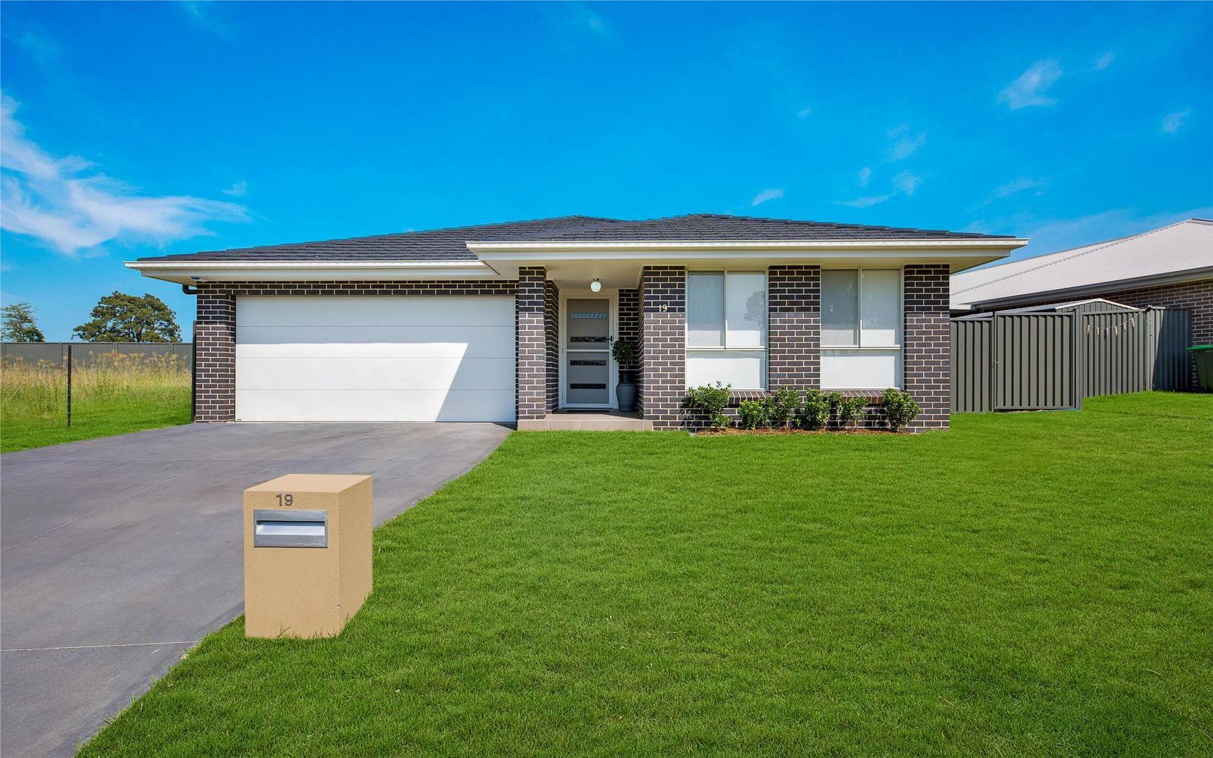 19 Wicker Street, Spring Farm NSW 2570, Image 0