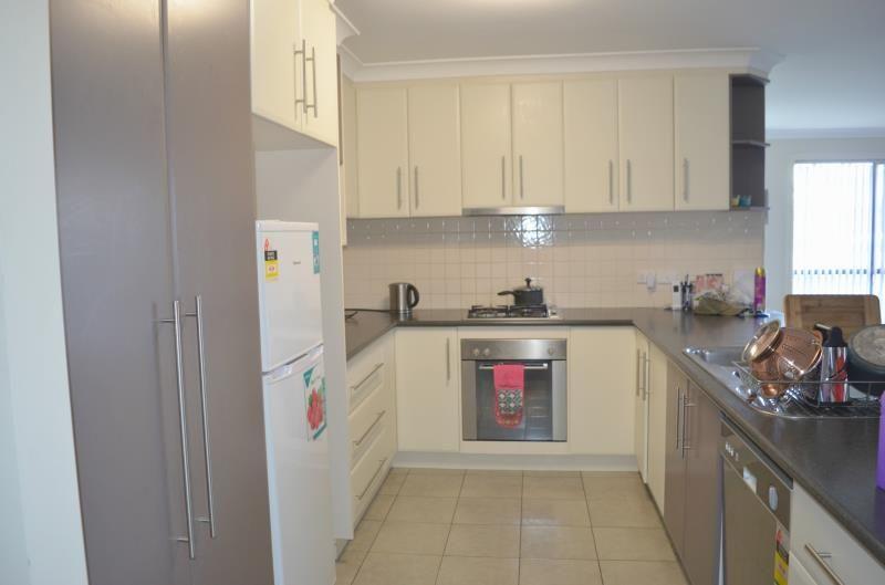 1/6 Yoogali Street, Glenfield Park NSW 2650, Image 2