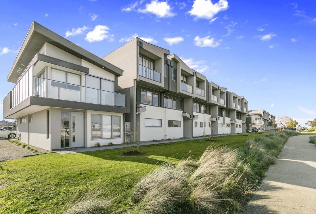 15/120 Cardinia Road, Officer VIC 3809, Image 0