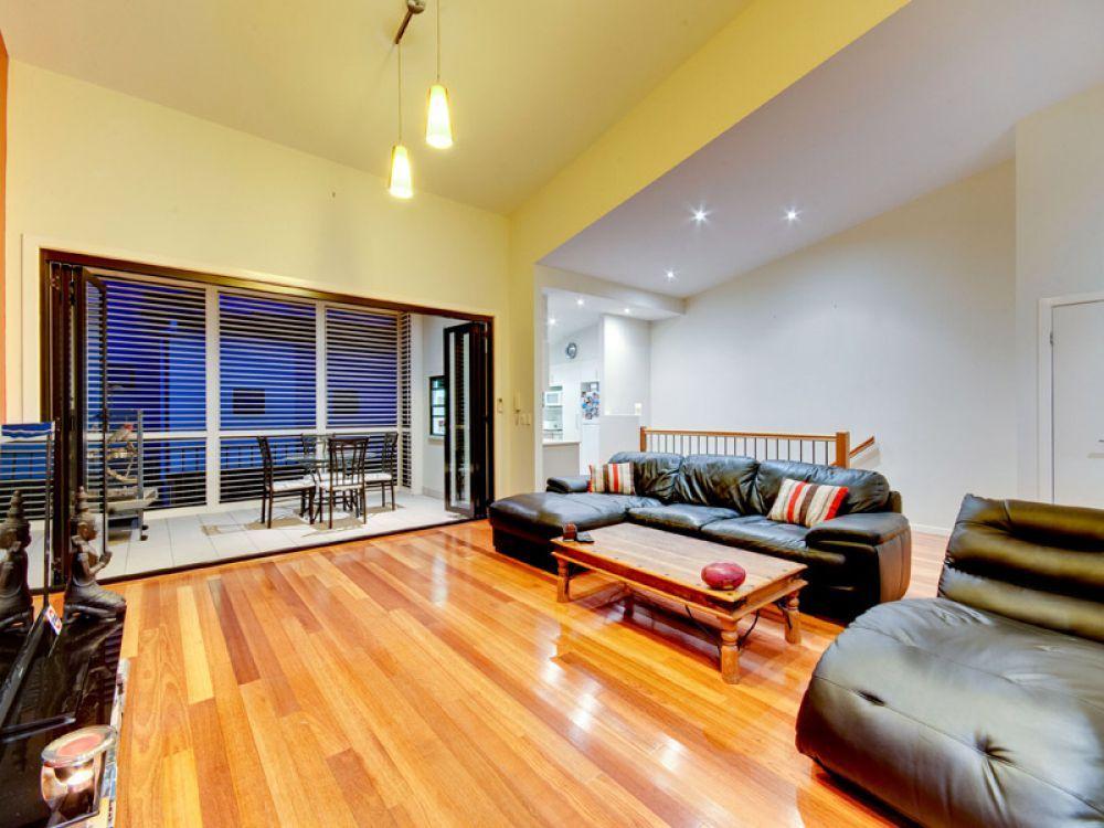 8/4 Kates Street, Morningside QLD 4170, Image 2