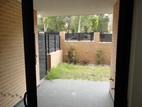 3/5 Pitt Street, Parramatta NSW 2150, Image 2