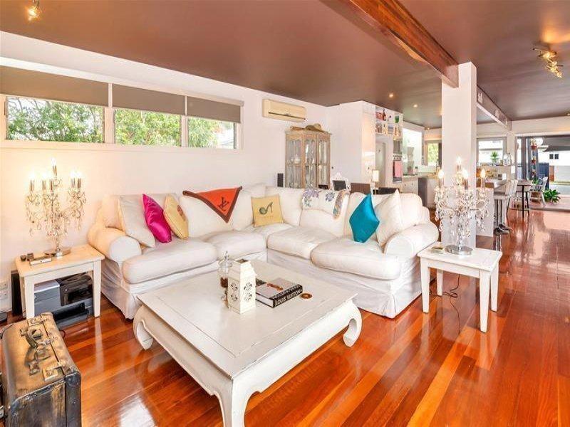 388 Cypress Terrace North, Palm Beach QLD 4221, Image 2